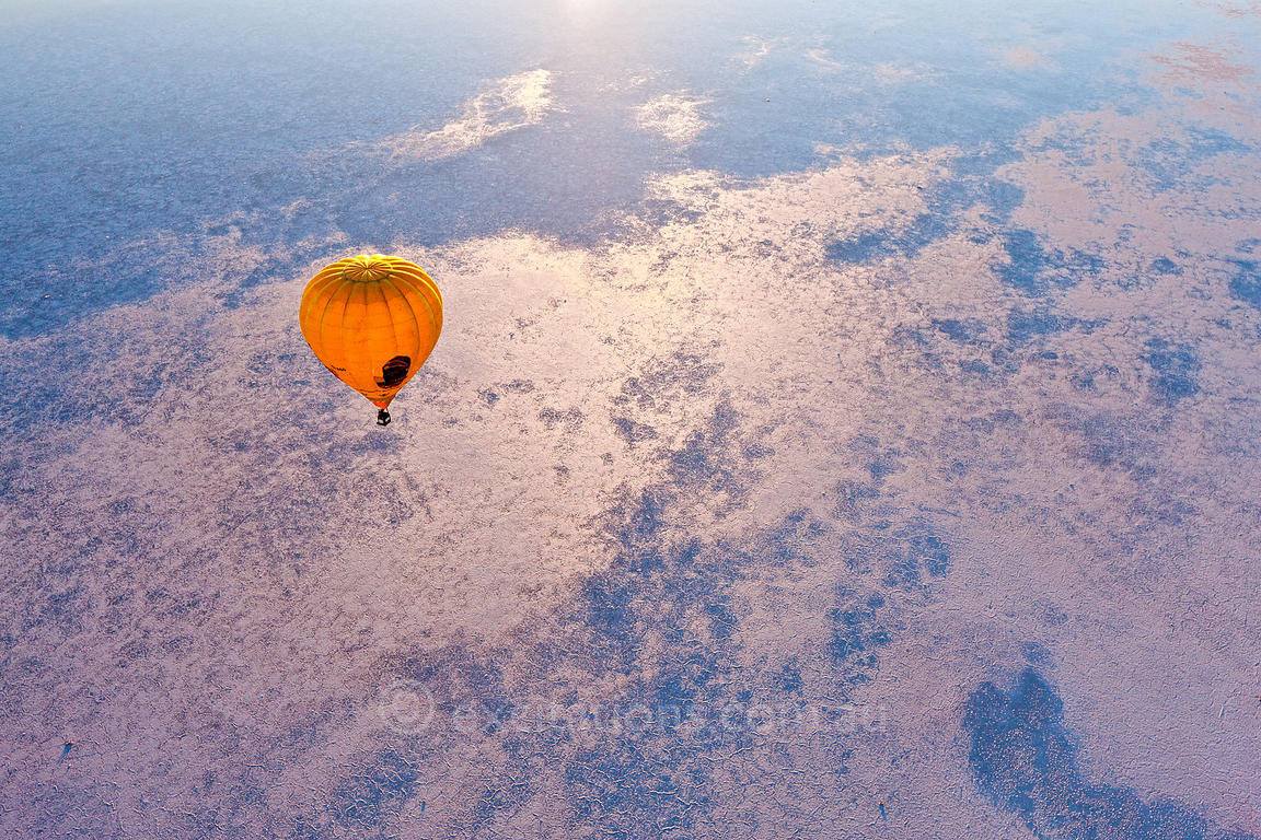 Hot air ballon flying over Lake Eyre, South Australia