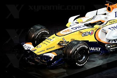 2008 F1 - Renault R28 Launch Paris