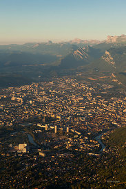 Grenoble Alpes Métropole, métropole alpine internationale - French alps