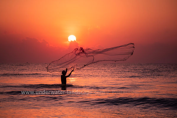 Sri Lankan fisherman - Sunrise on Sri Lanka