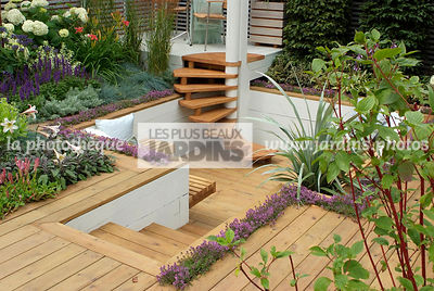 Aromatic plant, Border with flowers, Condiment, garden designer, Low wall, Small garden, Stair, Terrace, Thyme, Urban garden,...
