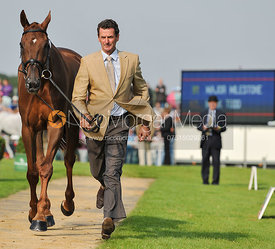 Mark Todd and Major Milestone  - 2nd Inspection - Burghley 2010