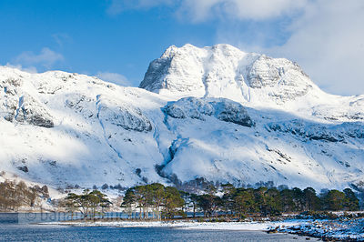 BP2292 - Slioch, from Loch Maree, Winter