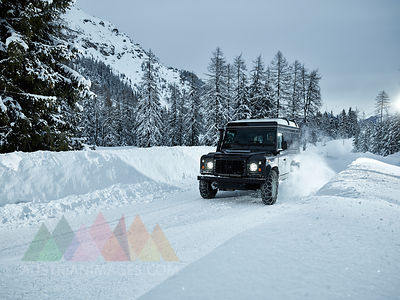 Austria, Tyrol, Stubai Valley, off-road vehicle in winter