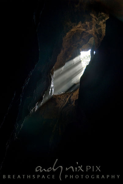 Sterkfontein Caves: Light shines in through an entrance hole