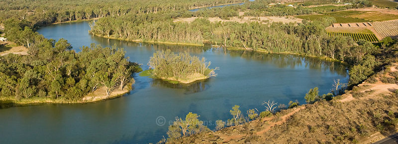 Murray River at Yelta near Mildura, Australia.