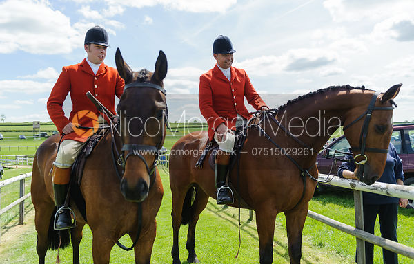Huntsman and Whpper-in await the runners - Meynell and South Staffs at Garthorpe, 2nd June 2013