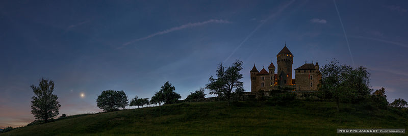 Two Planets over the Castle - Montrottier - Lovagny