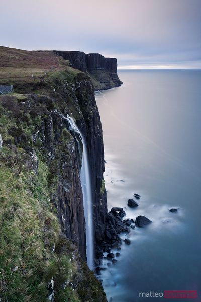 Kilt rock waterfall isle of Skye Scotland Royaume-Uni