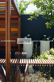 Jardinet contemporain. Paysagiste : Olivia Kirk Garden Design (KKE Architects Ltd). CFS, Angleterre