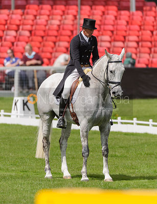 Andrew Nicholson and AVEBURY - Dressage - Mitsubishi Motors Badminton Horse Trials 2013.