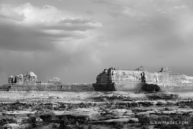 WOODEN SHOE ARCH NEEDLES DISTRICT CANYONLANDS NATIONAL PARK UTAH BLACK AND WHITE
