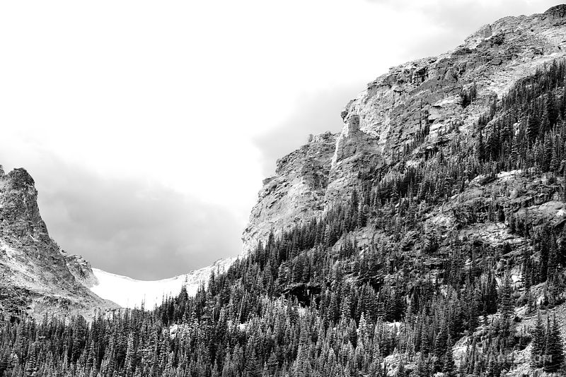 CLOSE UP VIEW OF MOUNTAIN RIDGE FROM GLACIER GORGE TRAIL ROCKY MOUNTAIN NATIONAL PARK COLORADO BLACK AND WHITE