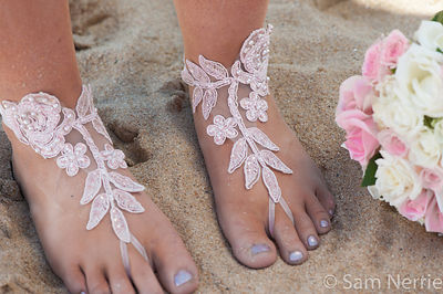 Bare_Feet_at_the_Wedding-2