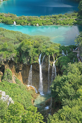 Lacs et cascades du parc national de Plitvice en Croatie / Lakes and waterfalls of the national park of Plitvice in Croatia