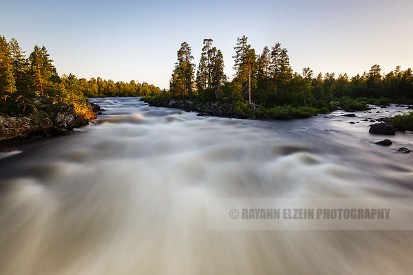 The Jäniskoski rapids in all their power in Inari