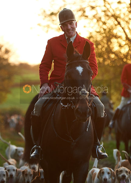Huntsman and hounds - The Cottesmore Hunt at America Crossroads 17/10