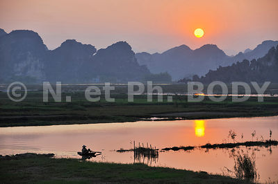 BAIE HA LONG TERRESTRE, VIETNAM//HA LONG BAY ON LAND, VIETNAM