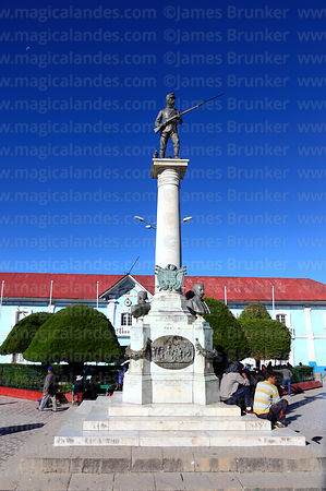 Monument to Dr Manuel Pino and War of the Pacific victims, Plaza Pino, Puno, Peru