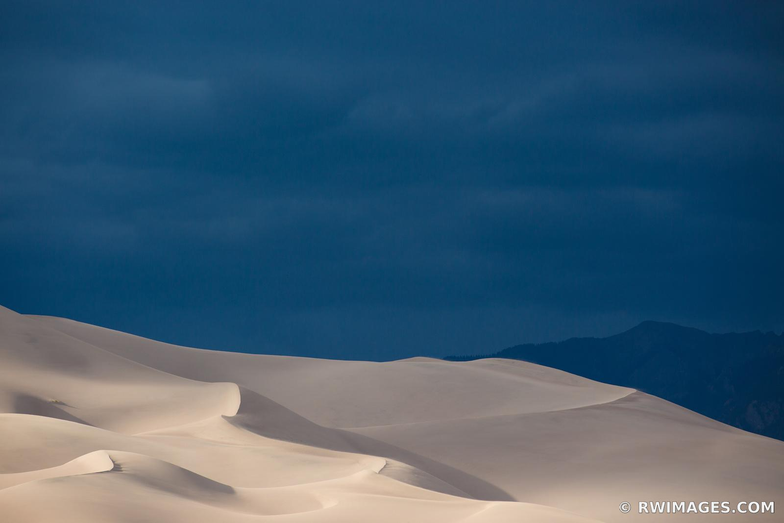 GREAT SAND DUNES NATIONAL PARK COLORADO AMERICAN SOUTHWEST DESERT LANDSCAPE