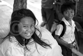 _W_P7284-Smile-of-Cambodian-boy-and-girl