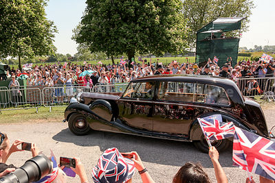 Meghan Markel and mother drive down The Long Walk to St George's Chapel in the Queen's vintage Rolls-Royce Phantom IV