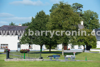 5th September, 2015.Tyrrellspass, County Westmeath. Pictured are a young couple enjoying the good weather in the centre of th...