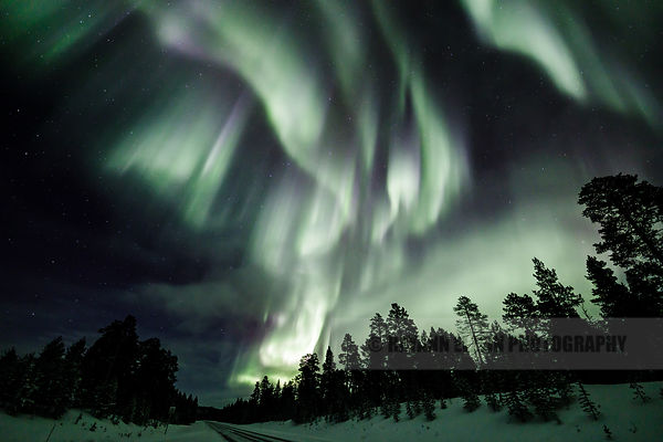 Strong northern lights in Inari, Finnish Lapland