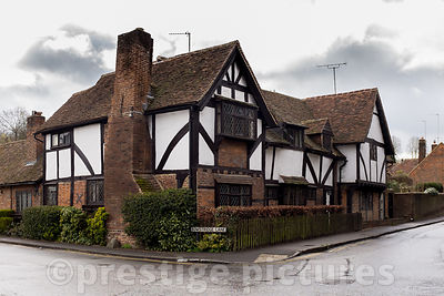 Large old Timbered House in Buckinghamshire