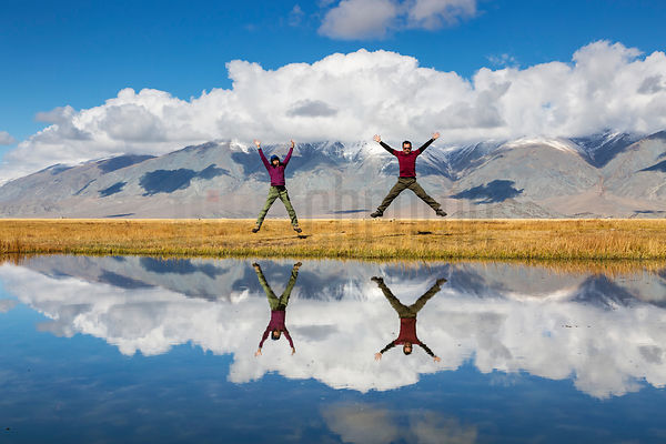 Hui-E Seeto & Moh Chean Jumping for Joy in the Glorious Altai Scenery