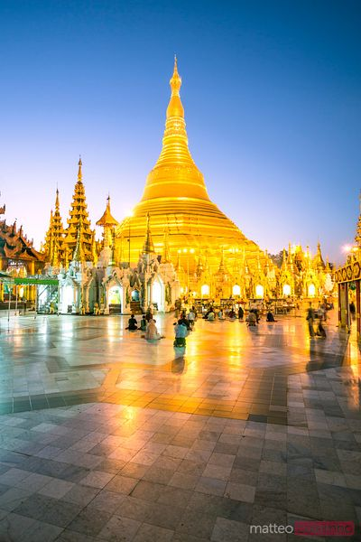Golden Shwedagon pagoda at sunrise, Yangon, Myanmar