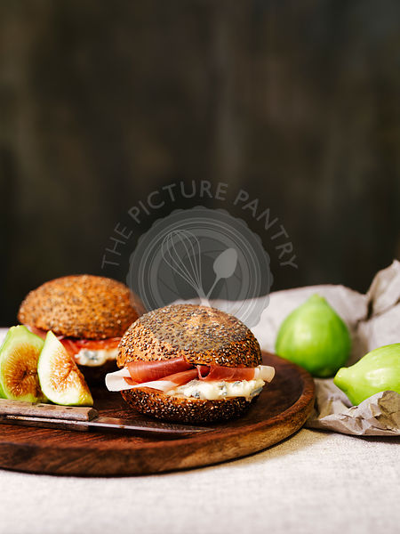 Panini with gorgonzola cheese, ham and figs