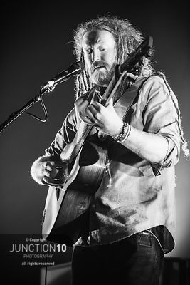 Newton Faulkner photos