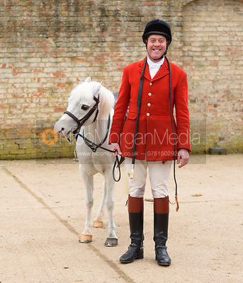 Tom Kingston - The South Shropshire and Belvoir Hunts at Belvoir Castle 11/3/17