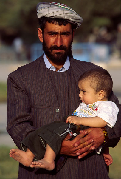 father and child, Mazar-i-Shariff