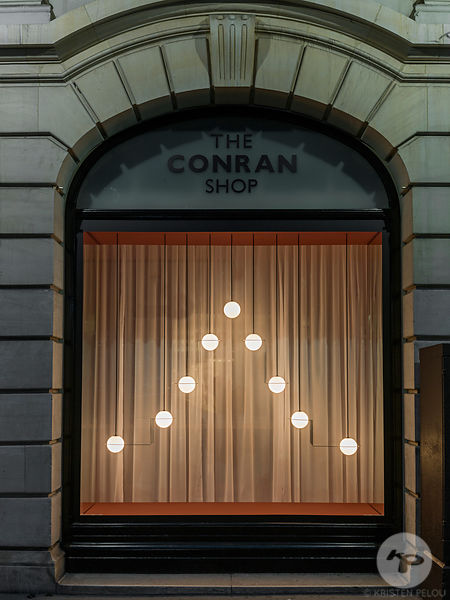"Installation ""Reflecteurs"" par Lambert & Fils, The Conran Shop, Paris, France"