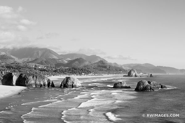 ECOLA STATE PARK AND CANNON BEACH OREGON COAST BLACK AND WHITE
