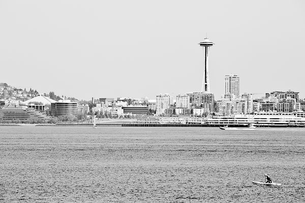 SEATTLE SKYLINE SPACE NEEDLE BLACK AND WHITE
