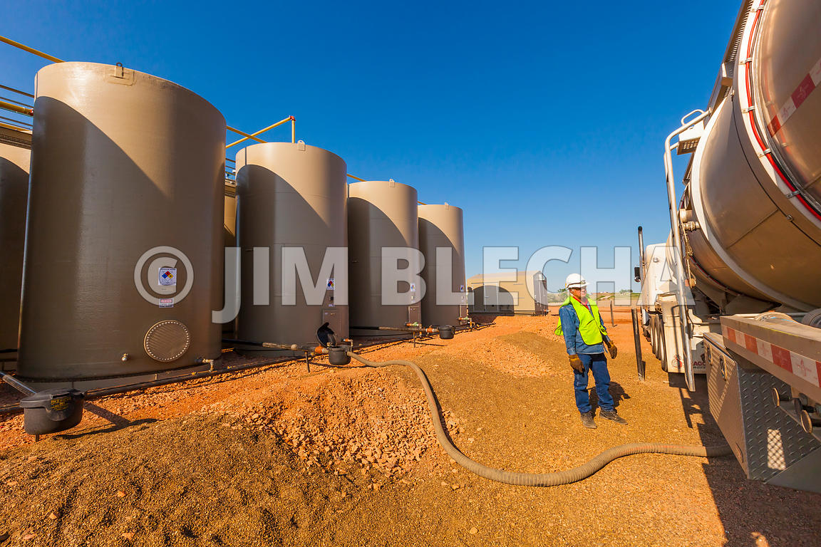 Oil and Gas Stock Photography | Crude Oil Sale