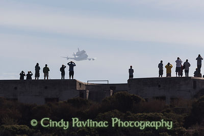 Space Shuttle Endeavour buzzes Fort Baker