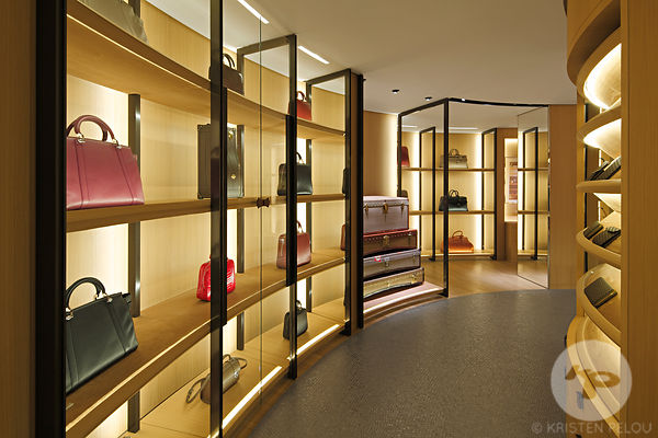 Photographe architecture boutique retail Paris - BOUTIQUE MOYNAT SAINT HONORE PARIS