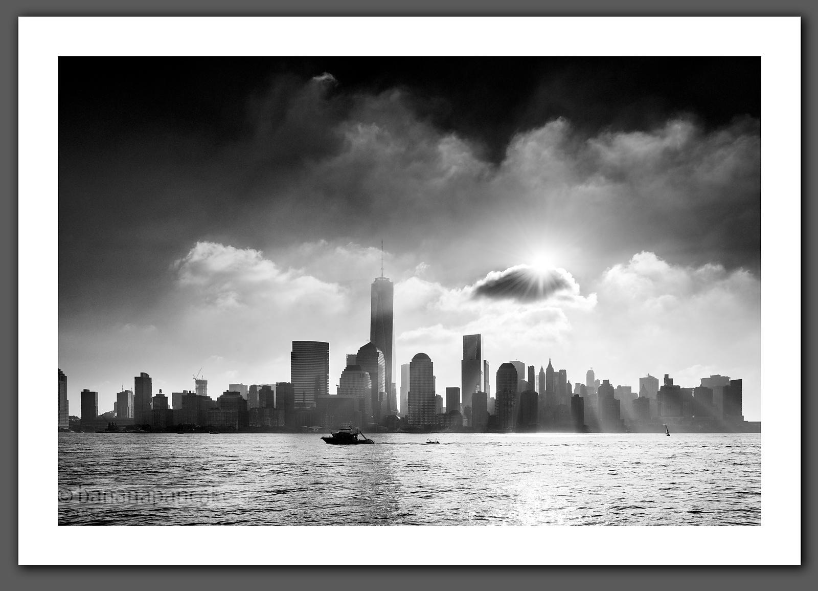 Mist over the lower Manhattan skyline Black and White Print - BP4471BW