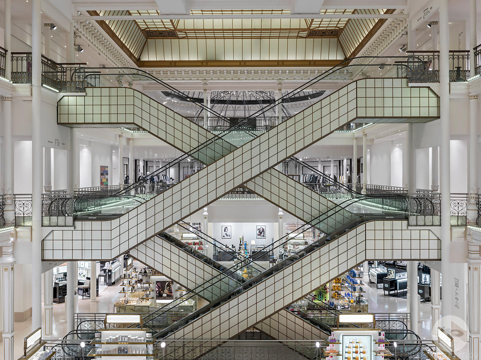 Photographe architecture retail boutique Paris - LE BON MARCHE RIVE GAUCHE PARIS