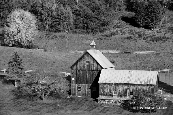 OLD BARN VERMONT BLACK AND WHITE