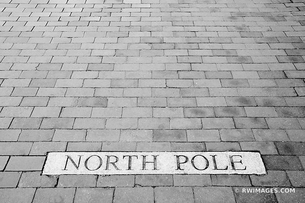 NORTH POLE CHURCH STREET BURLINGTON VERMONT BLACK AND WHITE