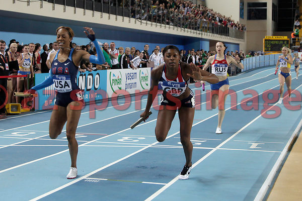 Women's 4x400m Great Britain & NI.(GBR) 3:28.76 sec. wins the gold medal