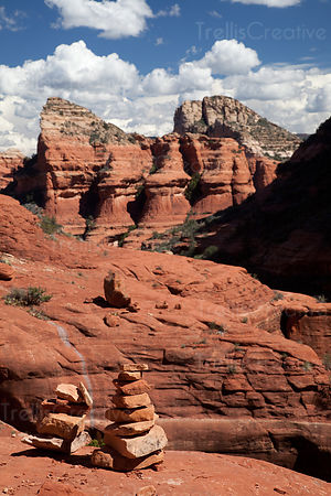Hiking along the Boynton Canyon Trail in Redrock State Park, Sedona, Arizona