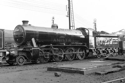PHOTOS OF EX-LNER O2 CLASS 2-8-0 STEAM LOCOS