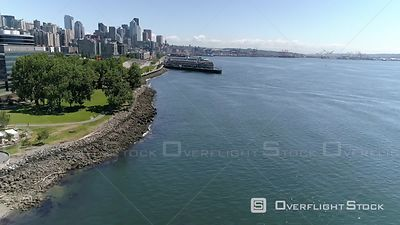 Drone perspective of Seattle, Washingtons Myrtle Edwards Park showing beautiful view of skyline in Pacific Northwest