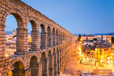 The roman aqueduct of Segovia at dusk, Spain